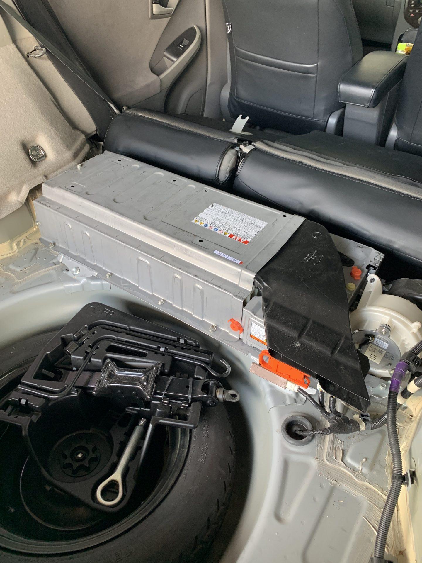 アクア 補 機 バッテリー